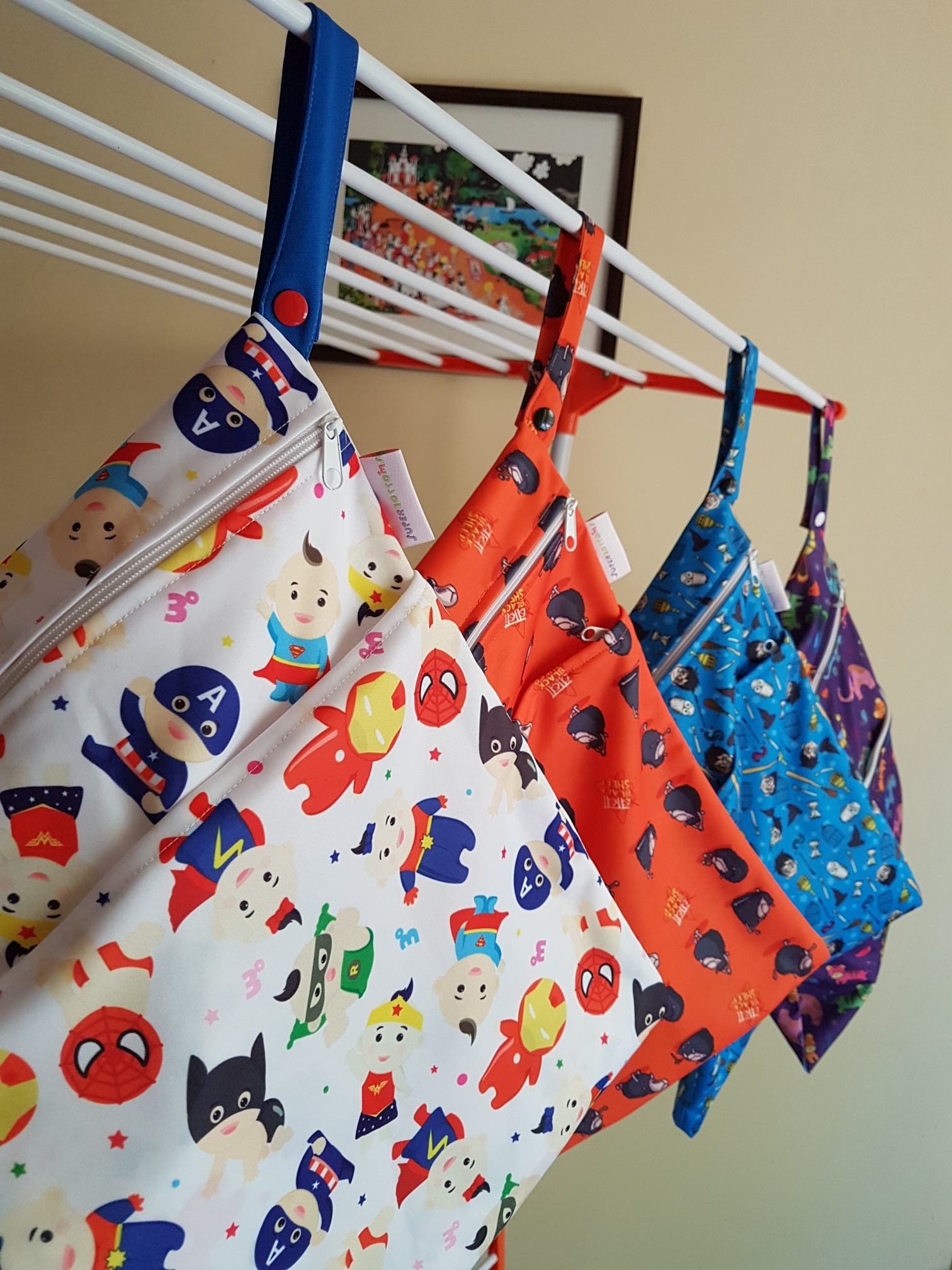 Superbottoms wet bag, wet bags, wetbags, diaper bag, whats in your diaper bag, cloth diaper bag, cloth diapering, cloth diapers india, new mom, mumbai mom